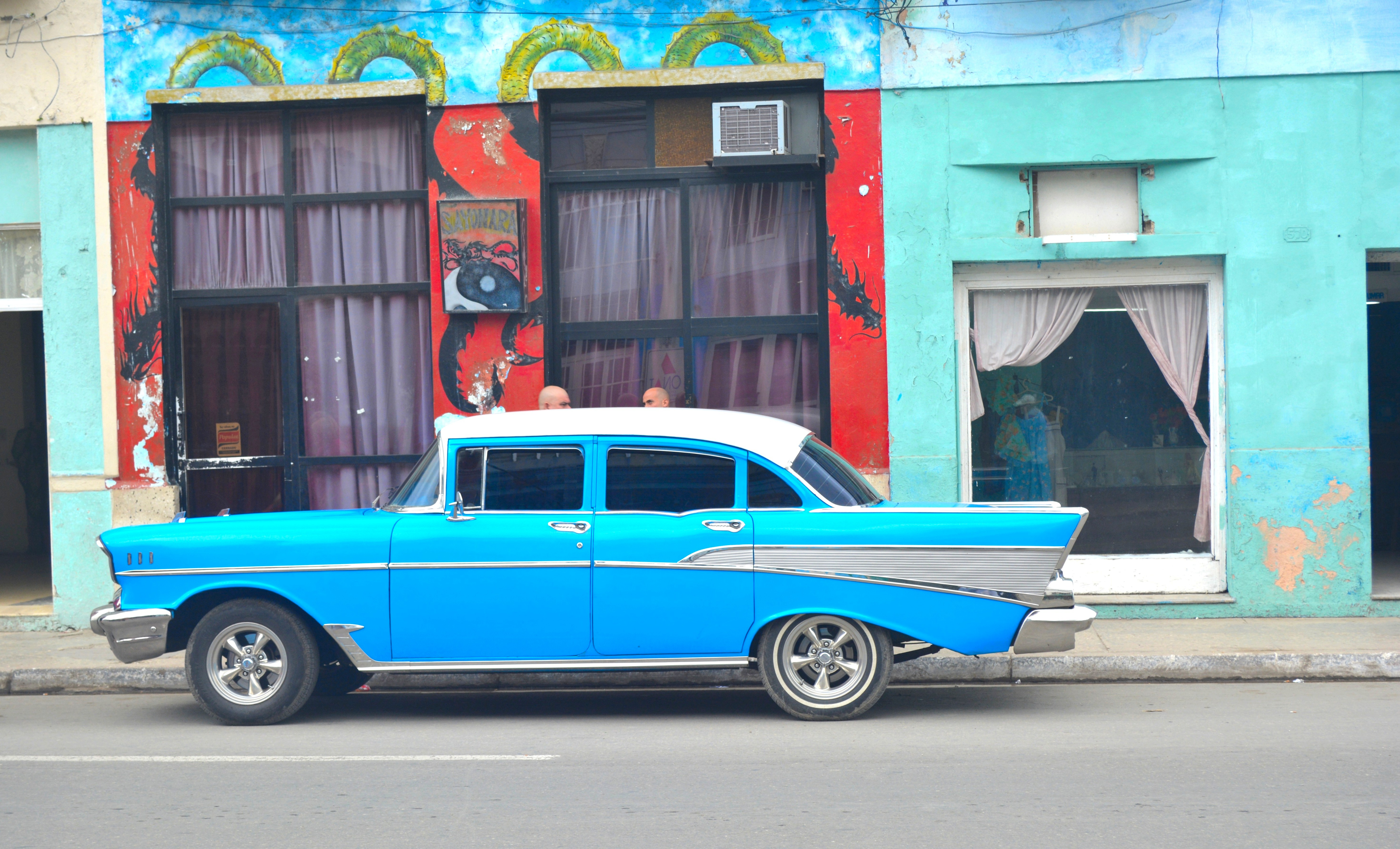 Cuba\'s Classic Cars Tell Its History - Dig This Design